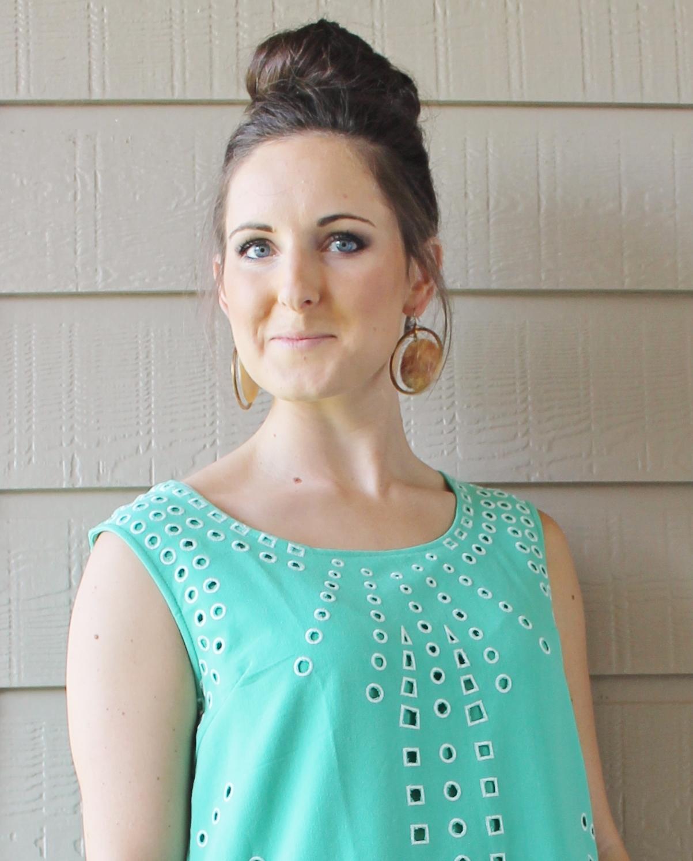 Tucker Up: WIWW: That Mint Dress, Random Talk + Link Up!