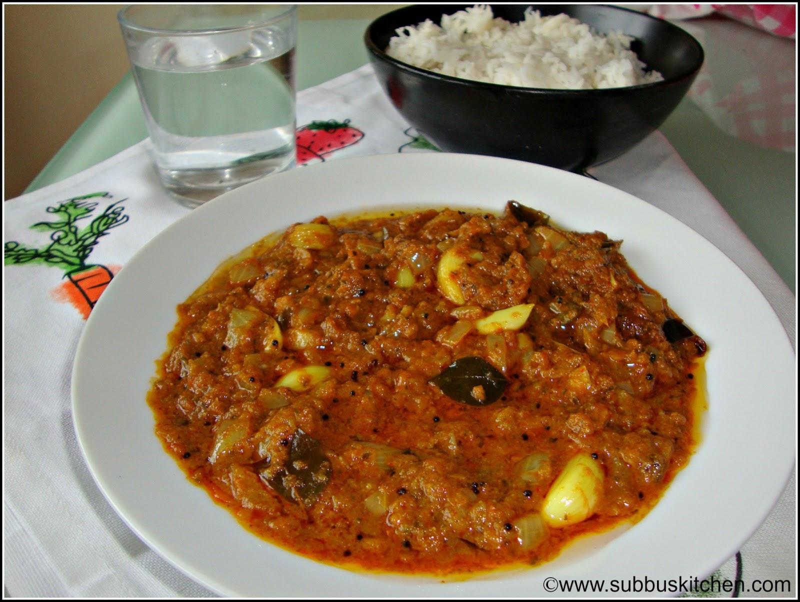 Poondu Karivepillai Kuzhambu(Garlic Curryleaves kuzhambu)