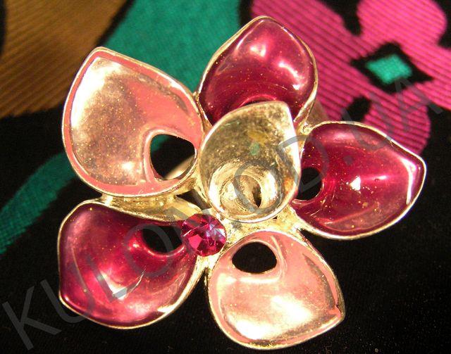 красивые ювелирные изделия из серебра