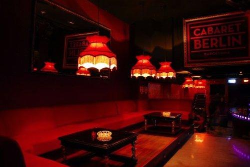 The Barking Dogs, Cabaret Berlin, Who's The Boss, Silvia Prada, Barcelona, Discosafari