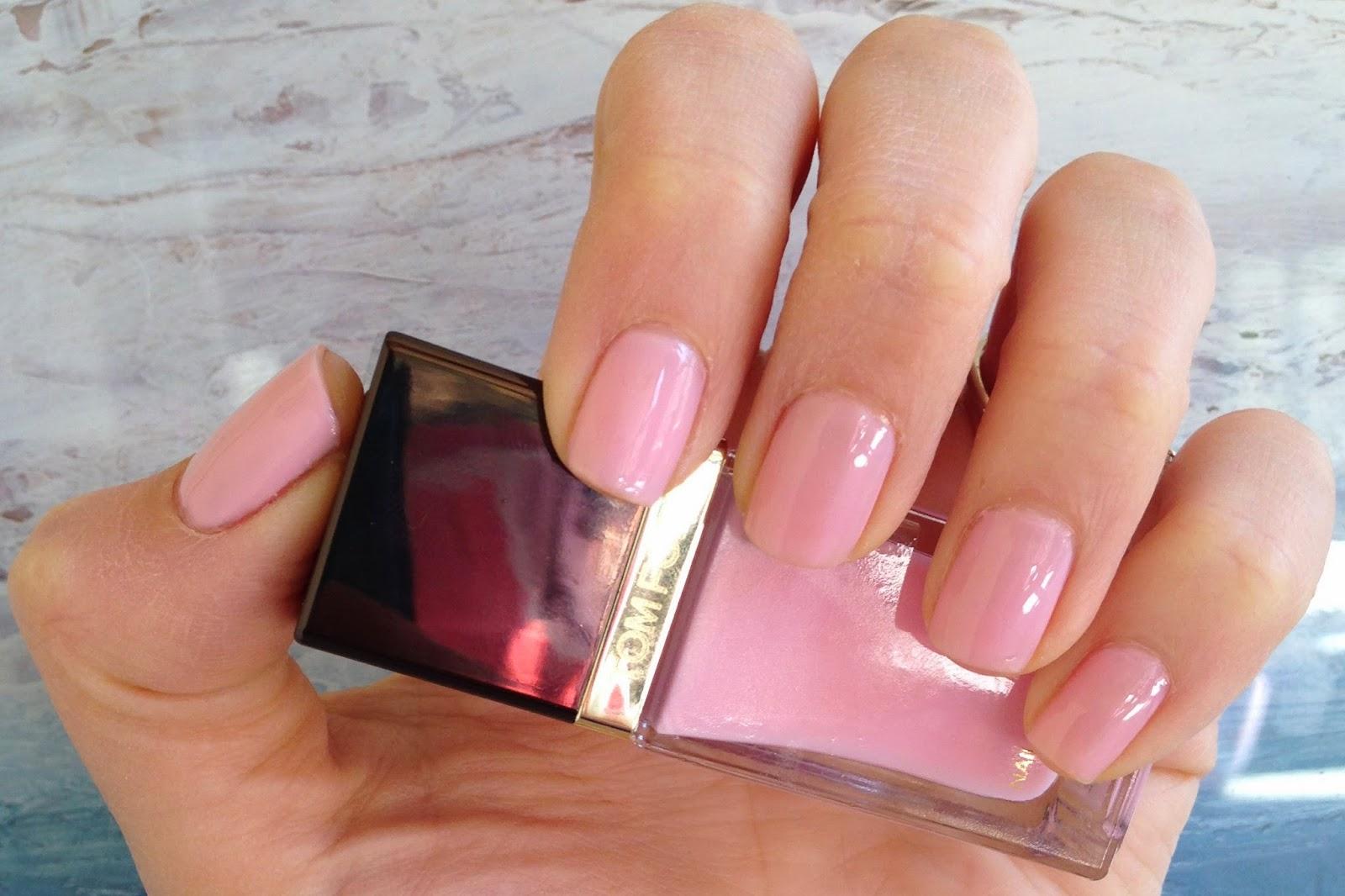 Ansa\'s Beauty and fashion blog: Tom Ford Pink Crush nail polish swatch