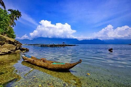 Menyusuri Keindahan Danau Maninjau Bersama Kano