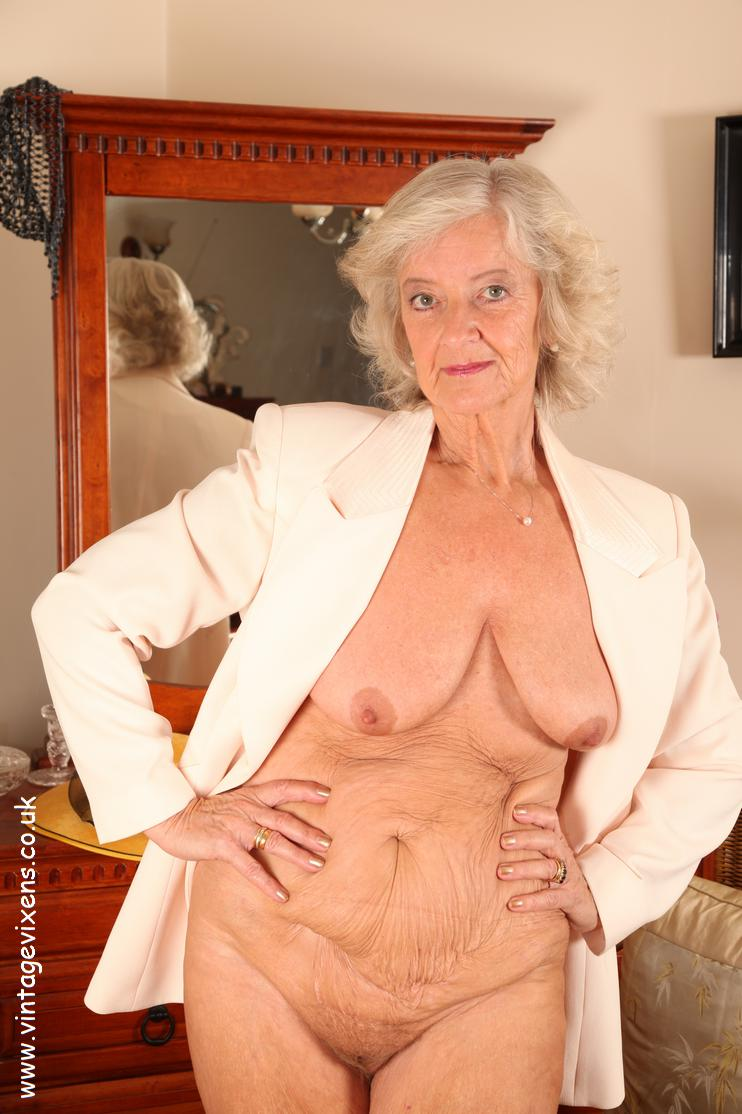 Granny ero pict pornos films