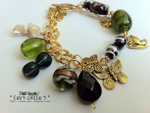 ar260-green-charm-bracelet