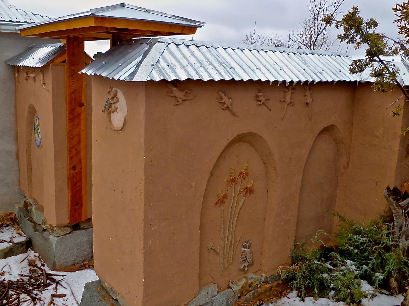 Alt Build Blog Building An Adobe Wall 5 Hip Roof For