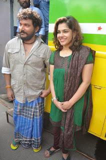 Soodhattam-Movie-Launch-Stills