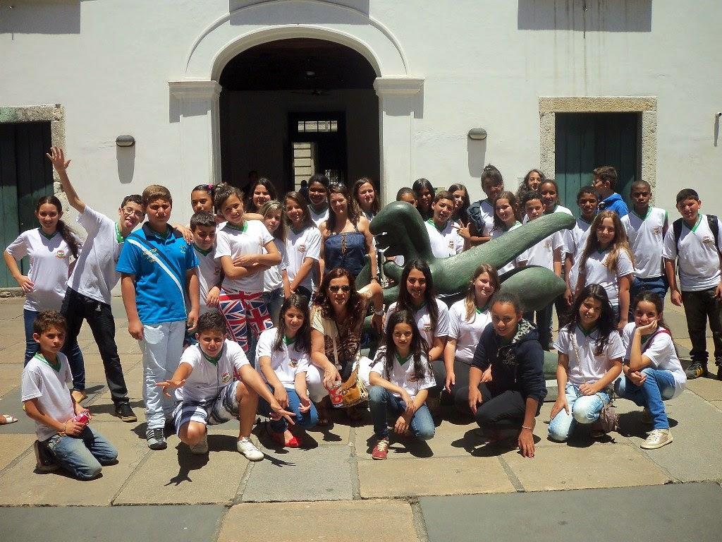 Explorando o centro do Rio de Janeiro, os alunos da Escola Municipal Alcino Francisco da Silva estudaram História