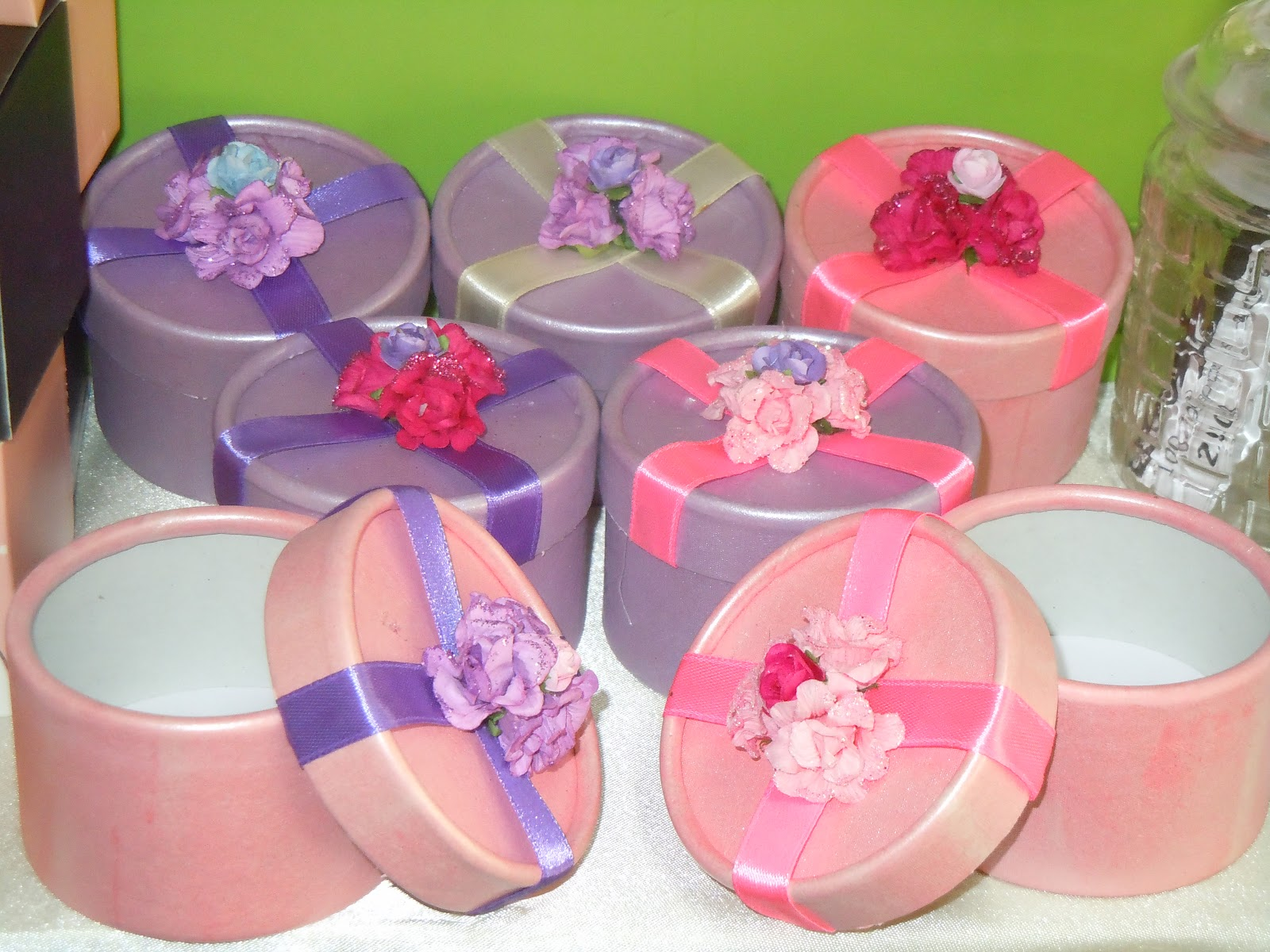 Kouhuku Gift: Round Favor Box with our in house design