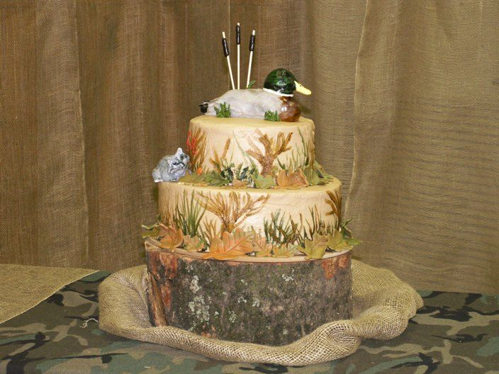 Hunting birthday party decorations party ideas deer hunting party - A Rustically Elegant Wedding A Camo Grooms Cake