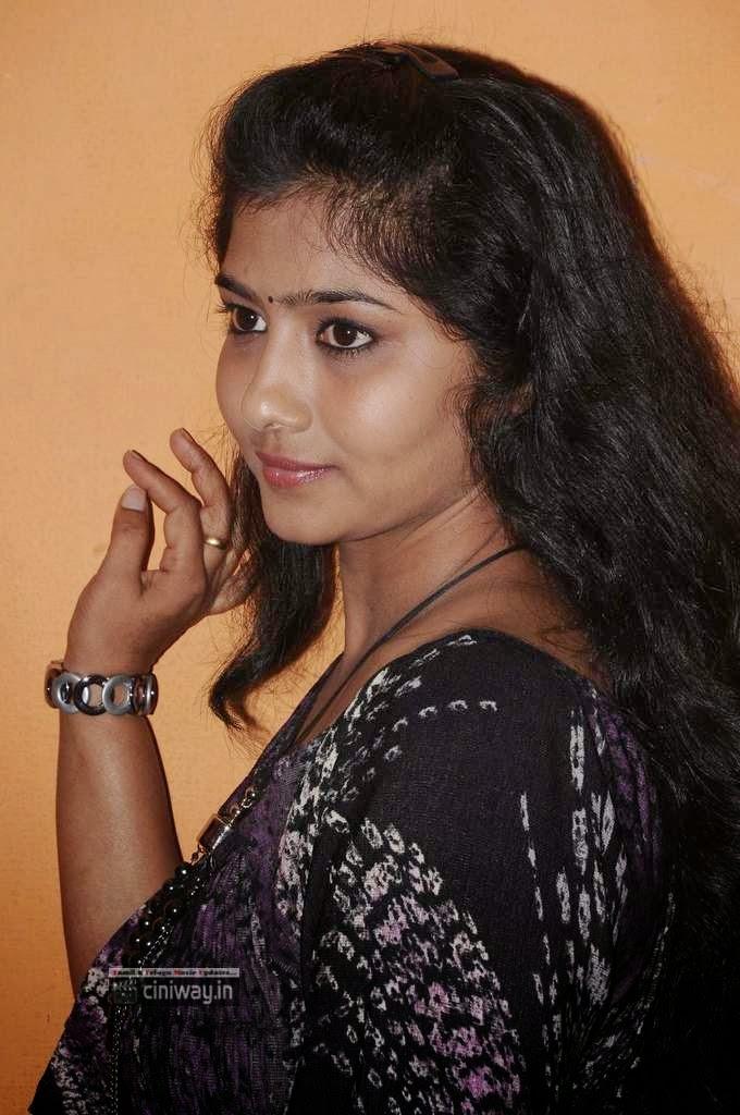 Liya-Sri-at-Veeran-Muthu-Raku-Movie-Audio-Launch