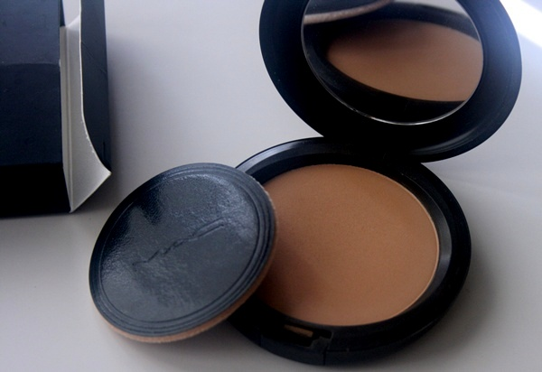 MAC Studio Careblend Powder in Medium Dark Review