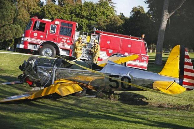 Pesawat Aktor Indiana Jones Star Wars Harrison Ford Terhempas