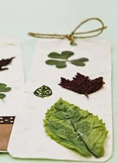 http://craftingeek.me/2014/09/separadores-con-hojas-secas/