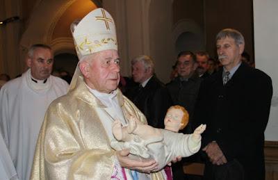 Napierała dzieci biskup