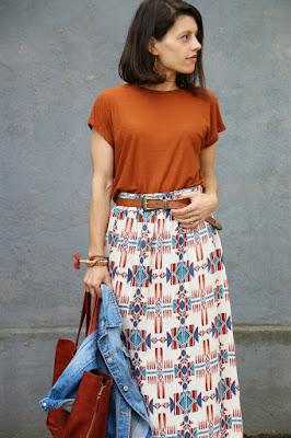http://ilovefitametrica.blogspot.pt/2015/04/ethnic-skirt.html