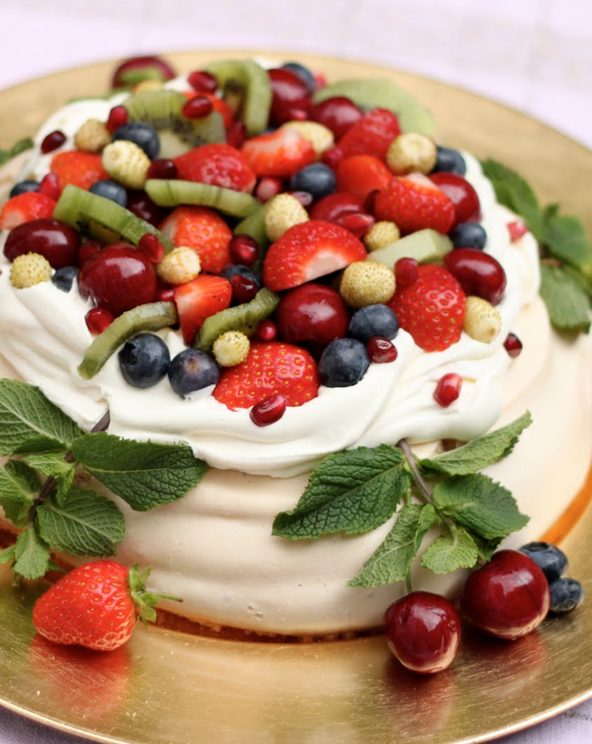 Scrumpdillyicious: Summer Berry Pavlova with Cream & Mint