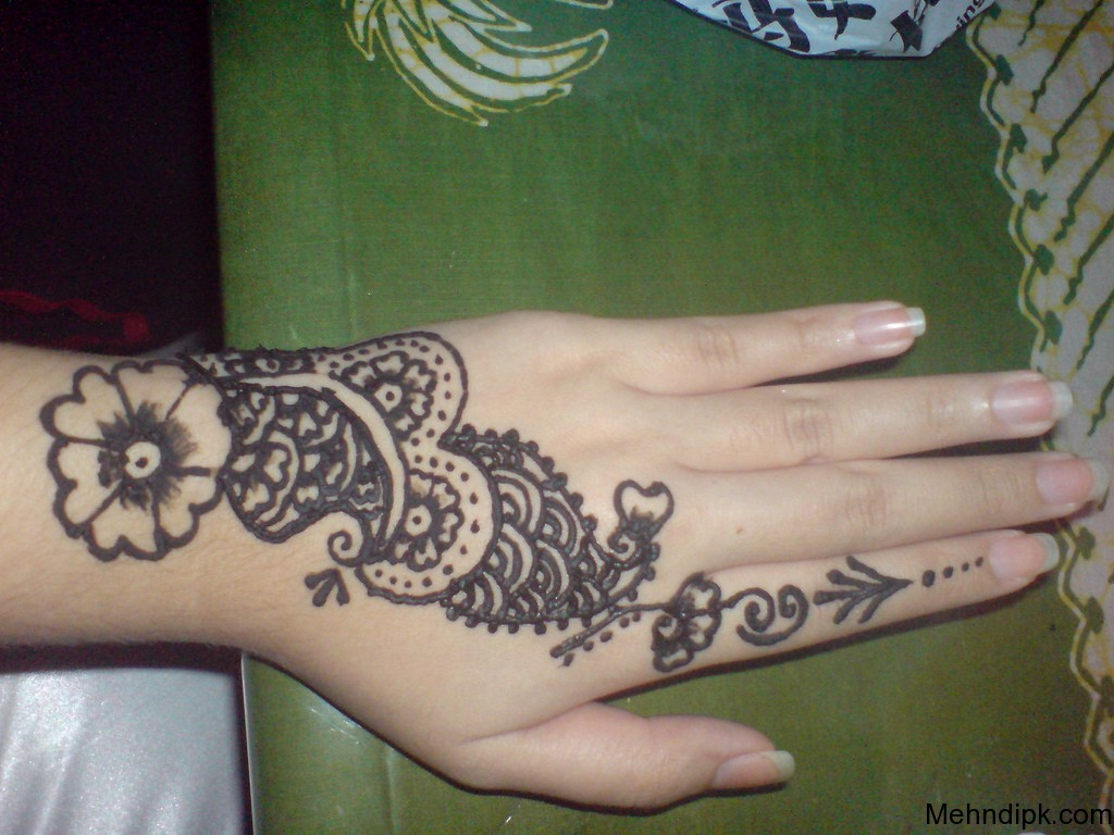 MEHNDI DESIGN Simple Henna Design Simple Mehndi