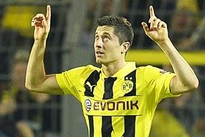 Robert Lewandowski erzielt das Siegtor für Borussia Dortmund