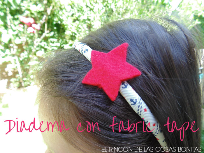 Diadema decorada con fabric tape y fieltro