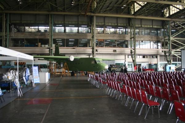 Maju indonesia ku sekjen kemhan resmikan design center pesawat tempur kf x if x di pt di Kitchen set di jakarta design center