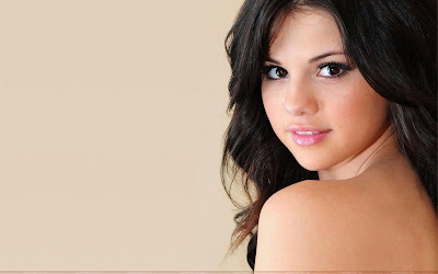 Selena Gomez  on Selena Gomez Hot Image
