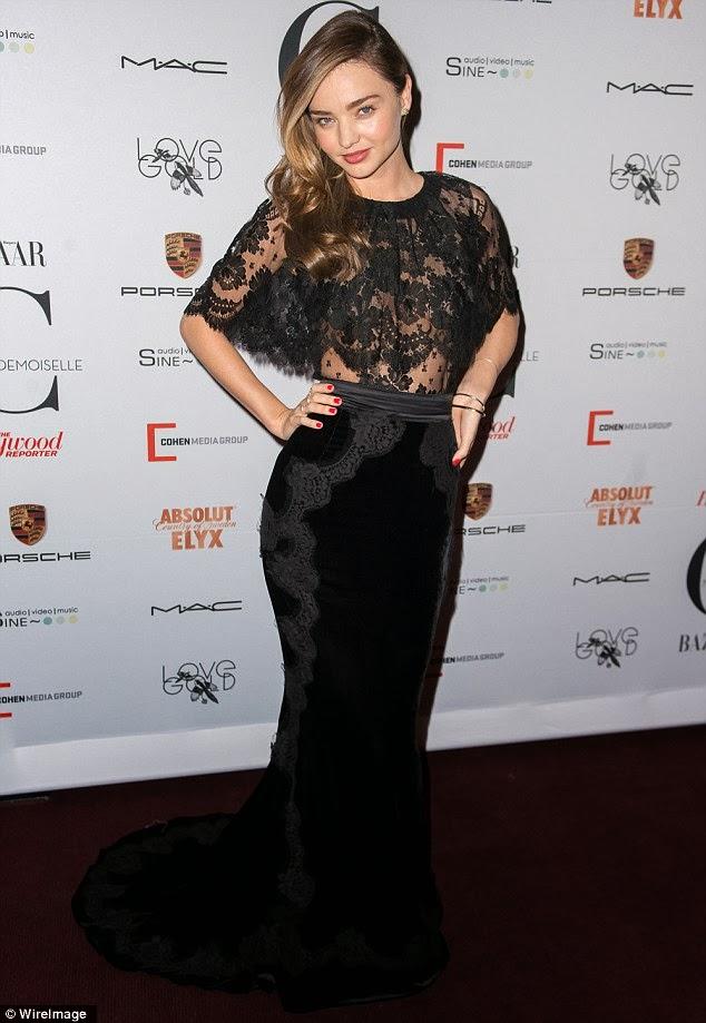 Supermodel Australia Tampil Tidak Bercoli Di Tayangan Premier Mademoiselle C
