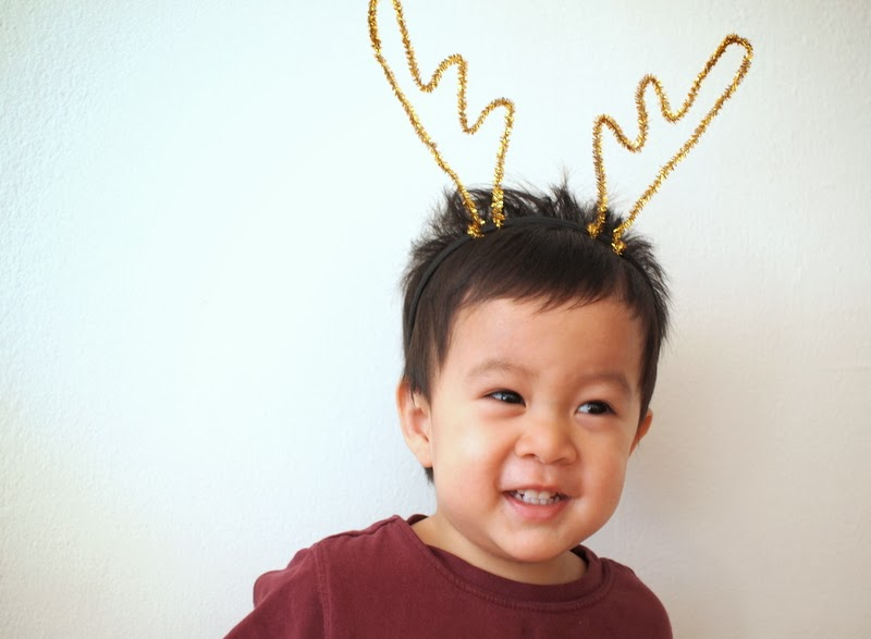 Diy reindeer antler headbands pink stripey socks diy pipe cleaner reindeer antler headband solutioingenieria Gallery