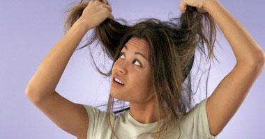 تعريض الشعر لدرجة حرارة مرتفعة يؤدى لتلفه وتساقطه - تساقط الشعر تقصف