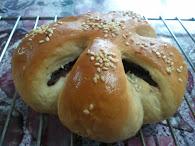 Roti Kacang Merah