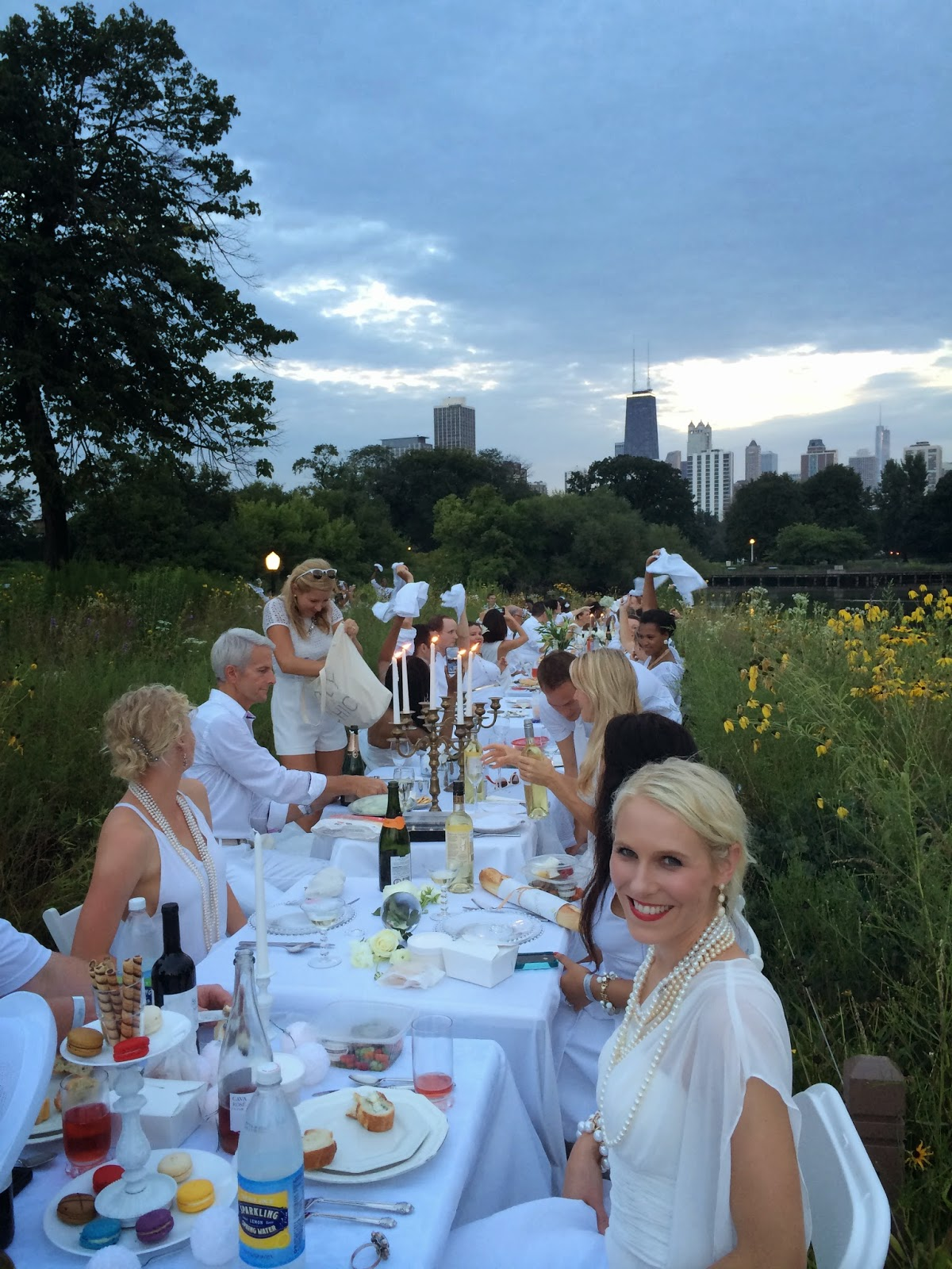 Diner en Blanc: Table Set-up