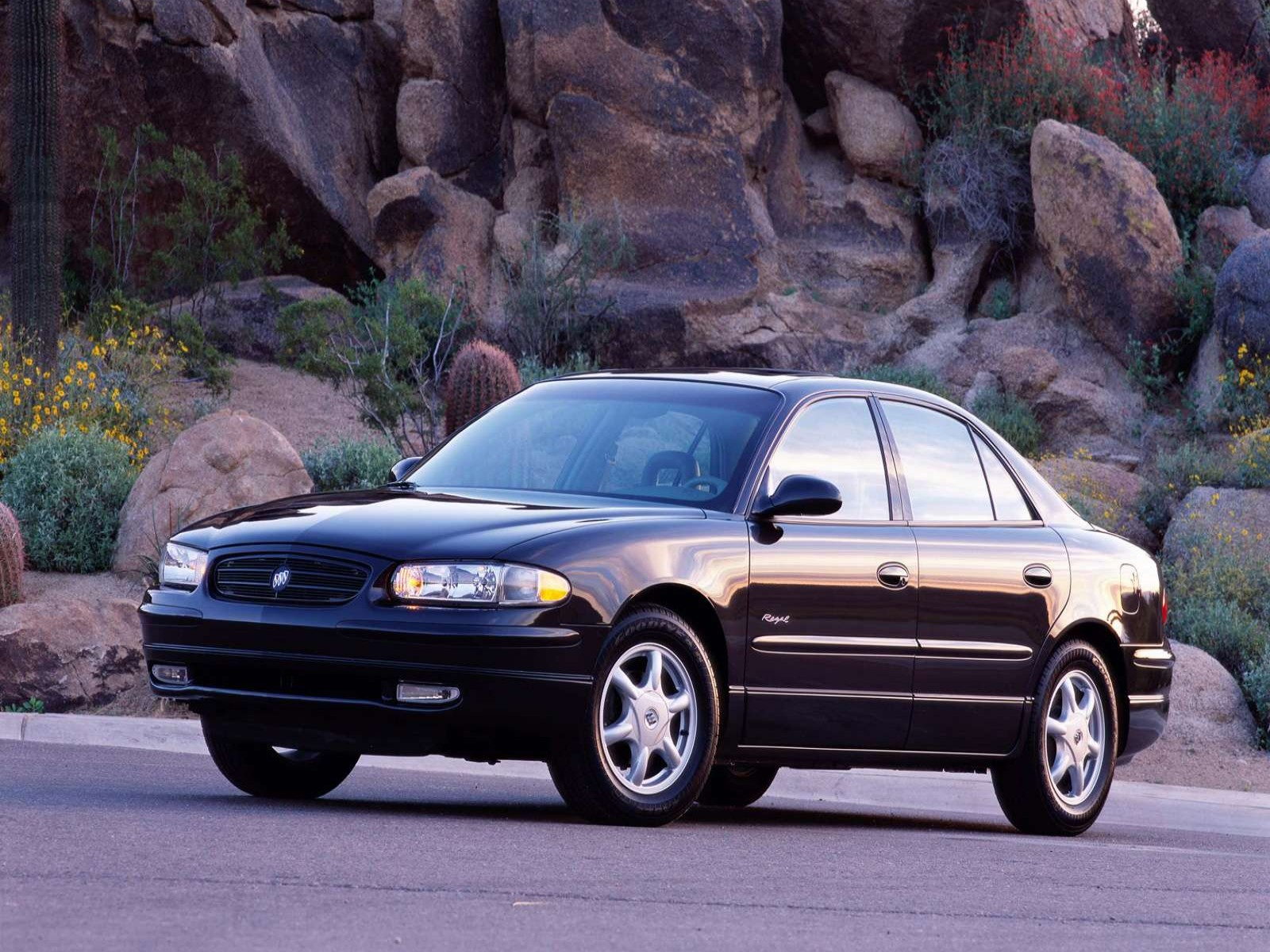 Buick Regal on 2003 Buick Lesabre Limited