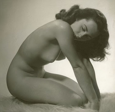 Elizabeth Taylor's Nude Photo Released After Nearly 60 Years