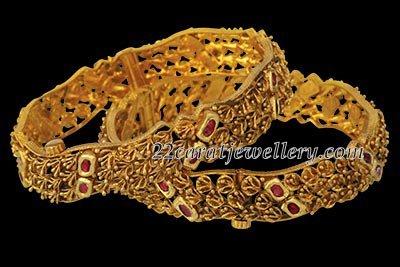 Antique Gold Bangles Kangan Jewellery Designs