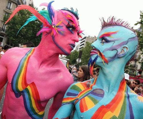 Fest Comix 2011 Gay_parade-rainbow-paint1