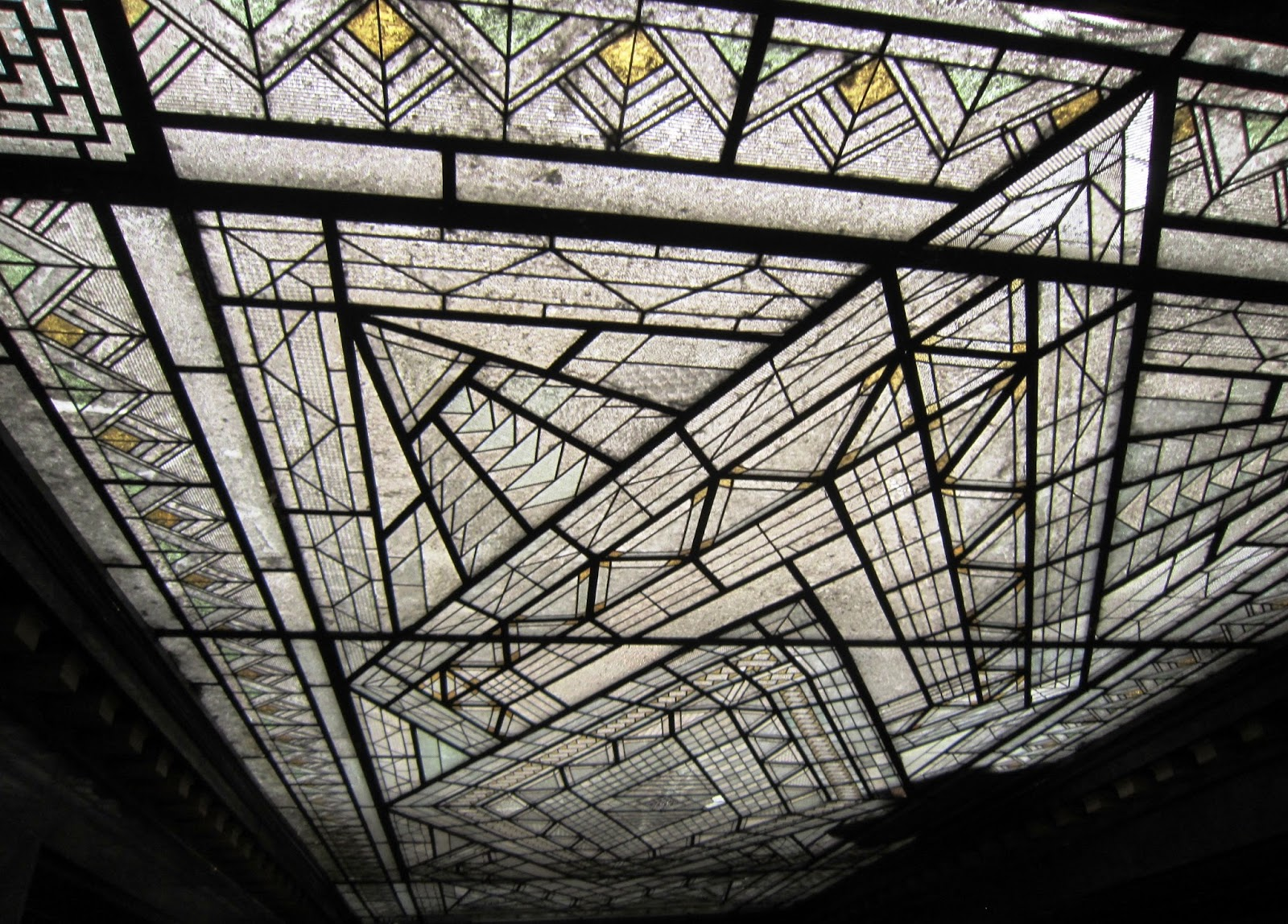 Madrid art dec interior antiguo banco zaragozano - Art deco caracteristicas ...