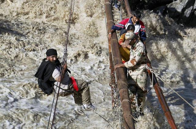 வெள்ள நிவாரணப் பணிகள்-கேதர்நாத்..படங்கள் இணைப்பு Floods.+Rescue+17.
