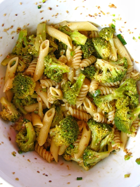 pasta and broccoli salad with asian style dressing