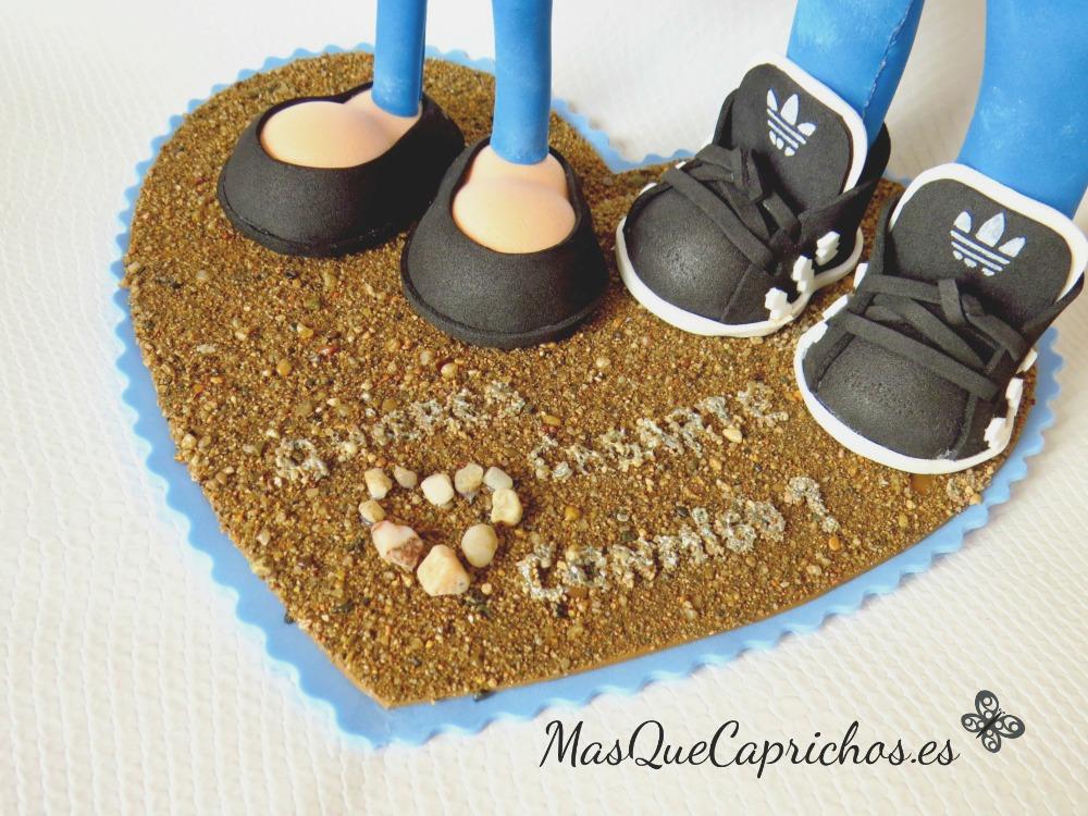 Detalle Base hecha con arena de la playa