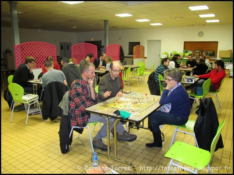 Vue générale des tables de jeux