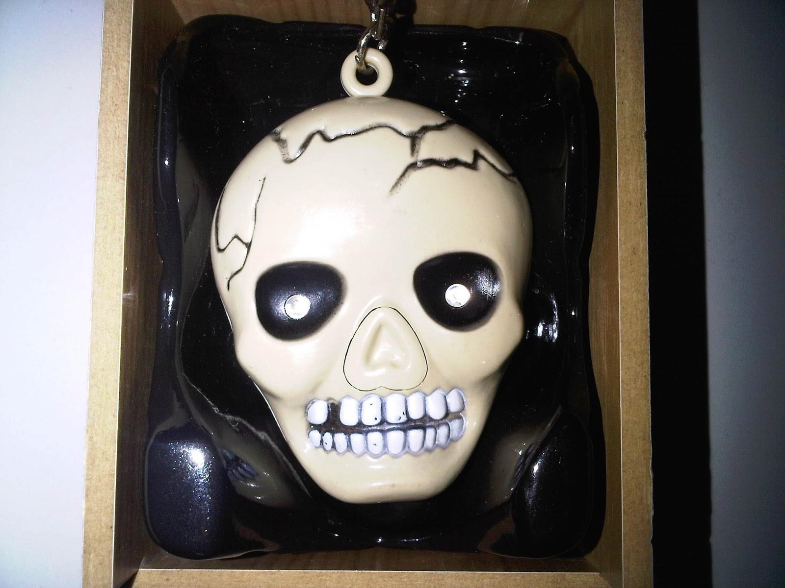 Laughing Skull - Rp 150.000