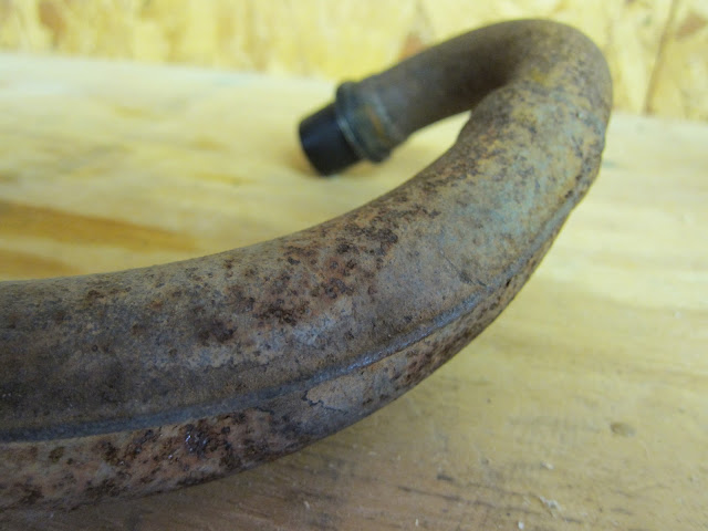 Rusty AR80 exhaust pipe