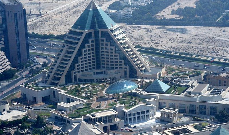 Creative and unusual building around the world funnilogy for Unusual hotels in dubai