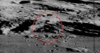 Fortaleza y Pirámides antiguas de origen alienígena en la Luna - Revelado Construccionluna