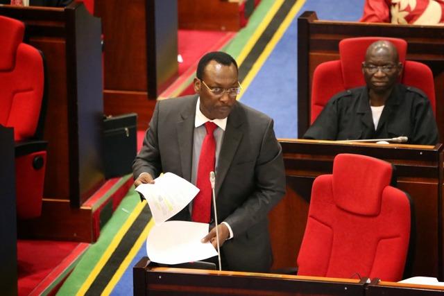 Kiongozi wa Kambi Rasmi ya Upinzani Bungeni, Freeman Mbowe akilihutubia Bunge