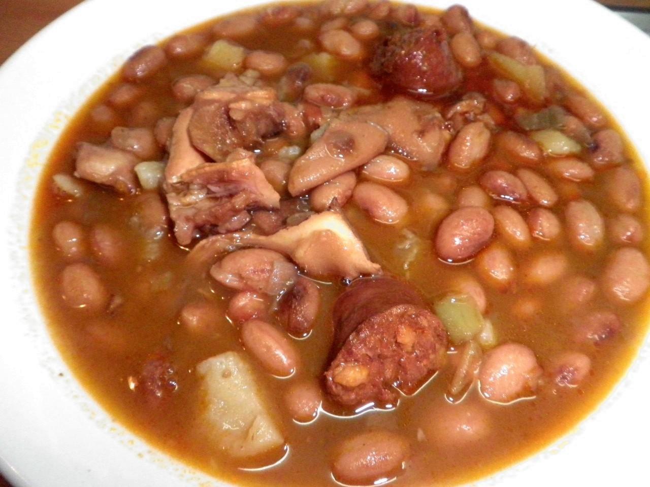 Sabores y tradiciones caparrones con oreja - Judias pintas con arroz olla express ...