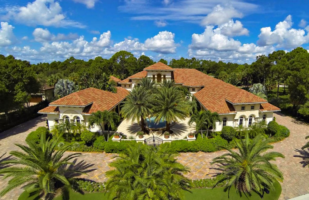 Beautiful Mansion For Sale In Palm Beach Gardens, FL For $6,495,000 Photo