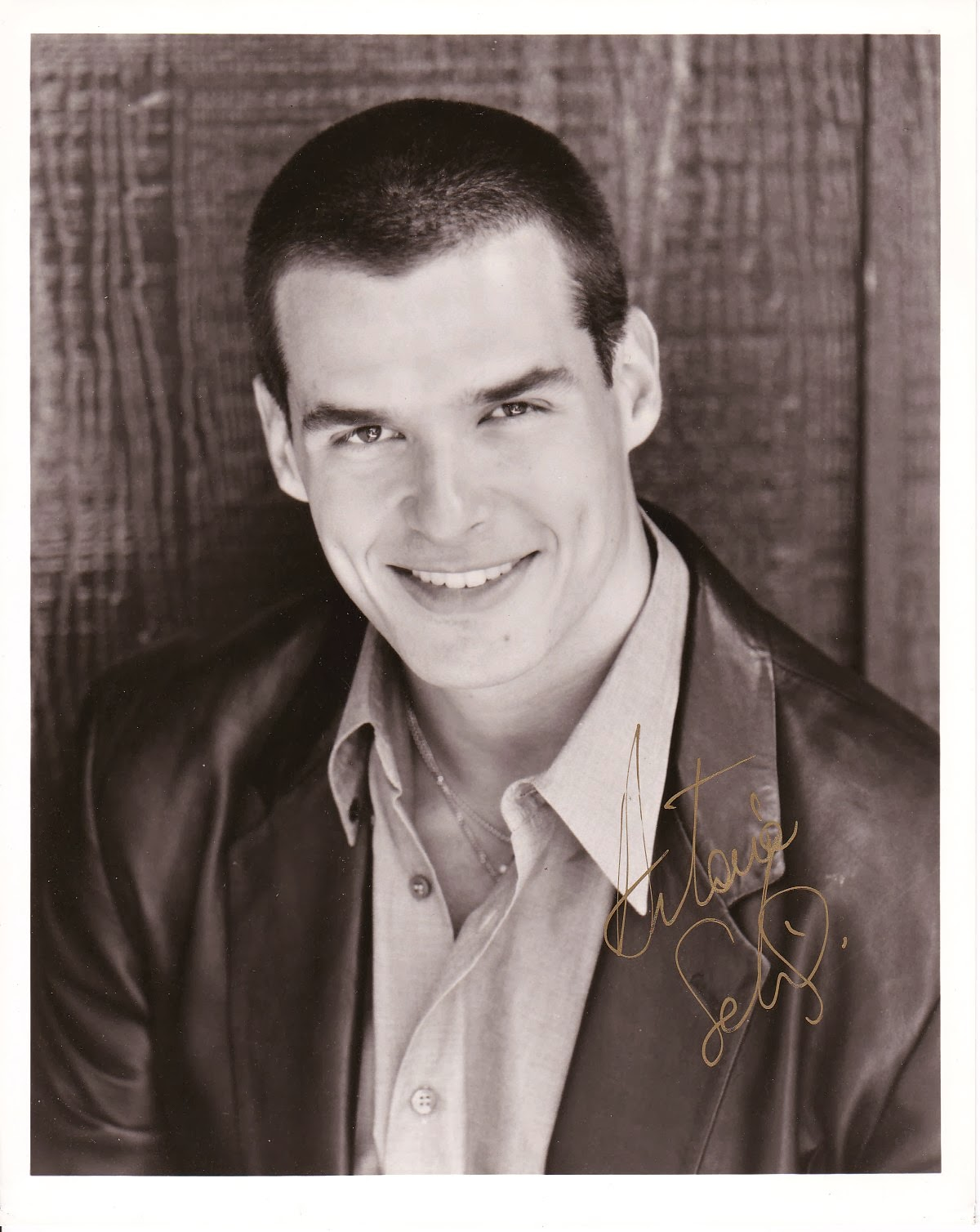 TV star Antonio Sabato, Jr. autographed 8x10 photo $30.00 FREE ship