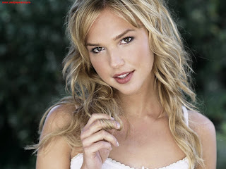Arielle Kebbel wallpaper