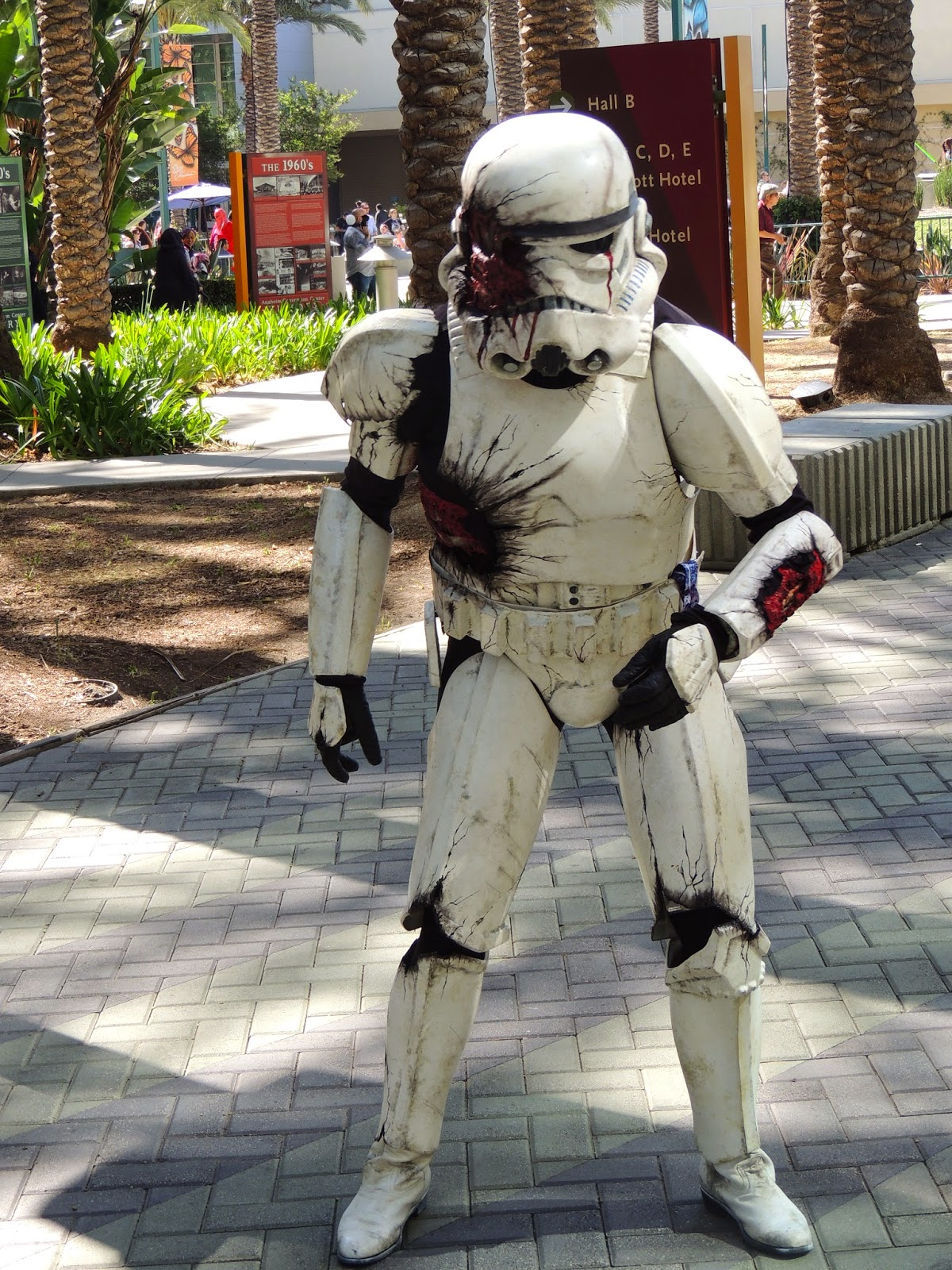 zombie-stormtrooper-star-wars-celebration-anaheim