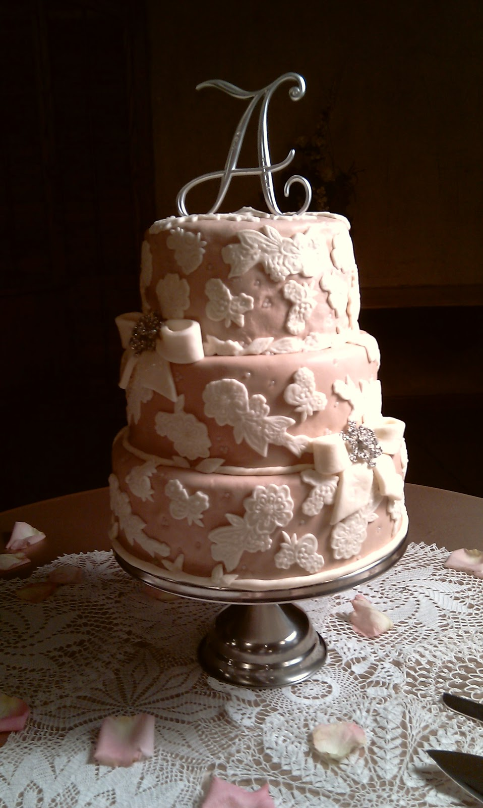 Sisterhood Of The Crafty Pants Antique Wedding Cake